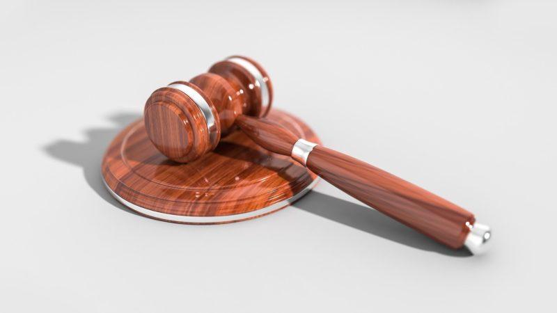 Is het inschakelen van een advocaat verplicht?
